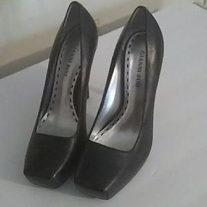 Gianni bini black square toe black heels Size 7.5